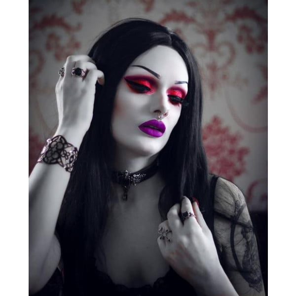 Lovelace Cosmetics The Blood Countess Eyeshadow Palette